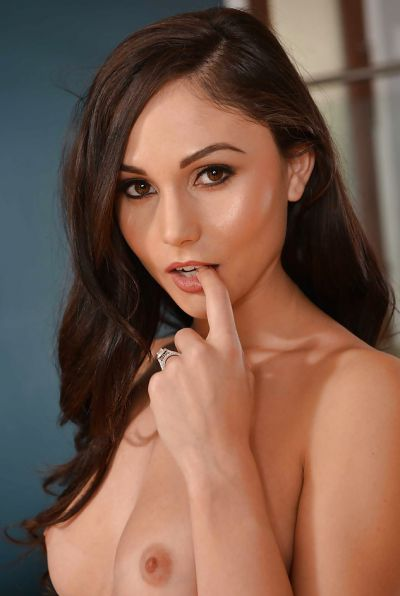 Photo №7 Young brunette Ariana Marie seduce anyone